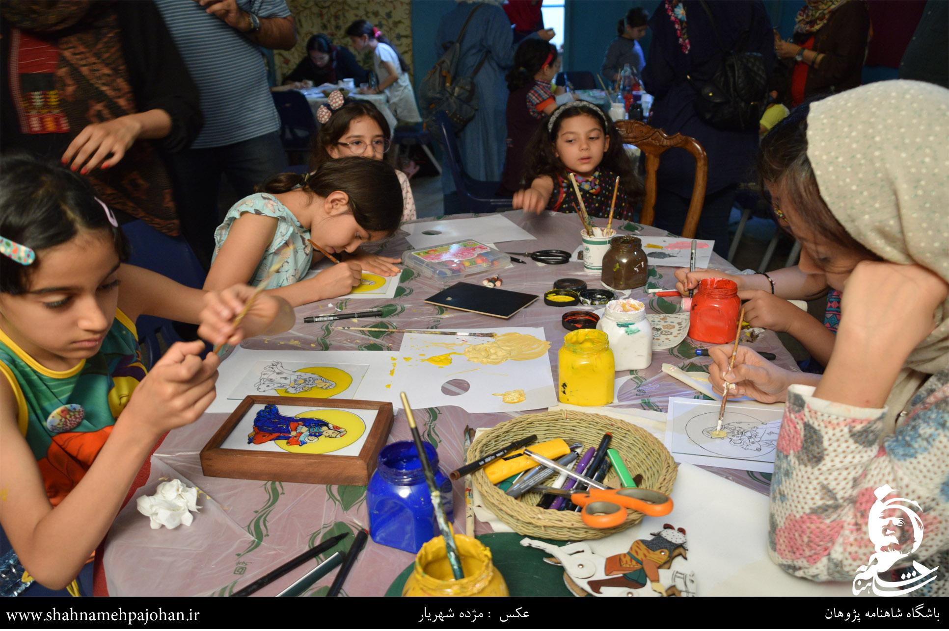 کارگاه ساخت عروسک های شاهنامه در موزه عروسک های ملل