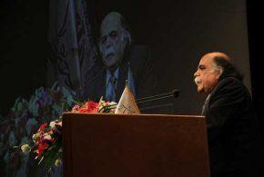 میرجلال الدین کزازی : اگر شاهنامه نمی بود، ایران امروز اگر بر جای می ماند، کشوری خُرد بود