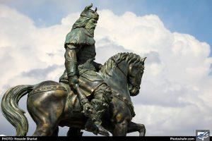 رونمایی از رستم و رخش و نبرد رستم و اژدها در بلوار شاهنامه