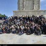 300 بازیگر و هنرمند سینما از آرامگاه فردوسی دیدن کردند
